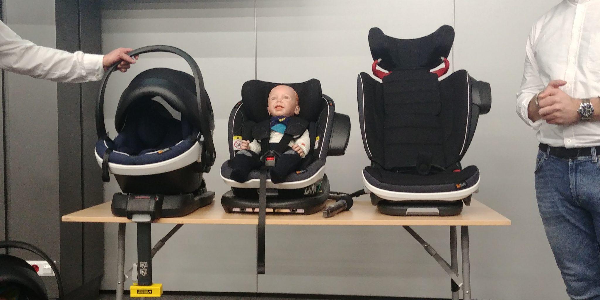Kurtki i foteliki - jak przewozić dziecko zimą?