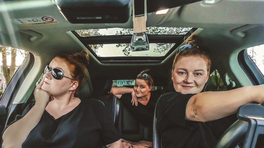 Gdzie powinien siedzieć rodzic w samochodzie?