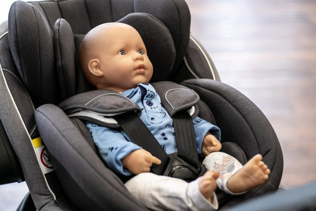 BeSafe izi Twist B z Baby Shell™ i Newborn Hugger™