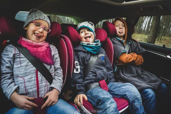 3x BeSafe izi Flex w samochodzie osobowym